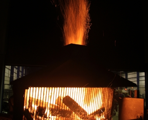 Roasting spit powered by SMO